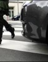 Un bărbat de 67 de ani, acroșat pe trecerea de pietoni