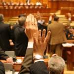 legea-lustratiei-a-fost-adoptata-de-parlamentul-romaniei-astazi-28-februarie-2012[1]