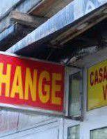 Vânători de schimburi valutare avantajoase, păcăliți cu mai mult de jumătate din sumă