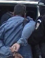 Bărbat reținut de polițiști cu două focuri de avertisment