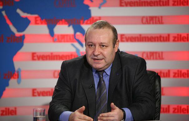 Senatorul PNL Daniel Fenechiu calmează apele: Lia Savonea ...  |Daniel Fenechiu