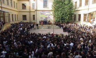 Emoții la deschiderea de an școlar în Fălticeni
