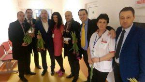 Și doamnele de la spitalul din Rădăuți au primit flori