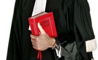Un avocat din Rădăuți a fost trimis în judecată deoarece a falsificat contractul unui client pentru a obține 15.000 de euro