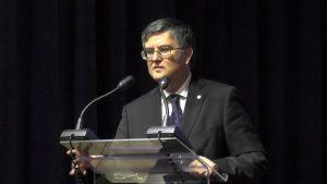 profesor universitar doctor Mircea Dumitru, rectorul Universității din București