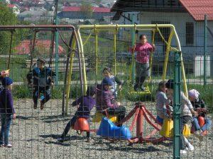 4. Joc și mișcare în părculețul di Cajvana
