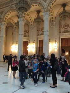 Elevii au făcut și o vizită la Parlamentul României