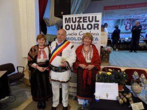 Otilia Mahu, alături de primarul comunei Ciocănești și de Lucia Condrea