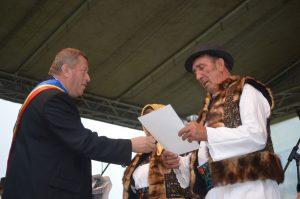 """"""" Cuplurile de aur"""", premiate de către primarul comunei"""