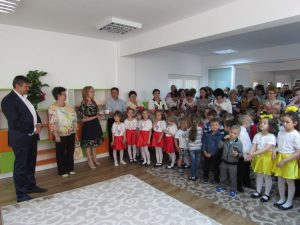 """Noul sediu al grădinilei """"Scufița Roșie"""" din Fălticeni"""