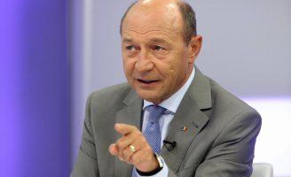 """Băsescu reacționează: """"Vâlcov şi Dragnea îşi fac iluzii deşarte"""""""