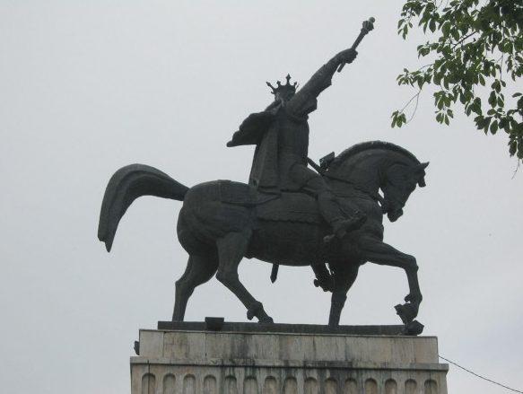 statuia domnitorului stefan cel mare reabilitata