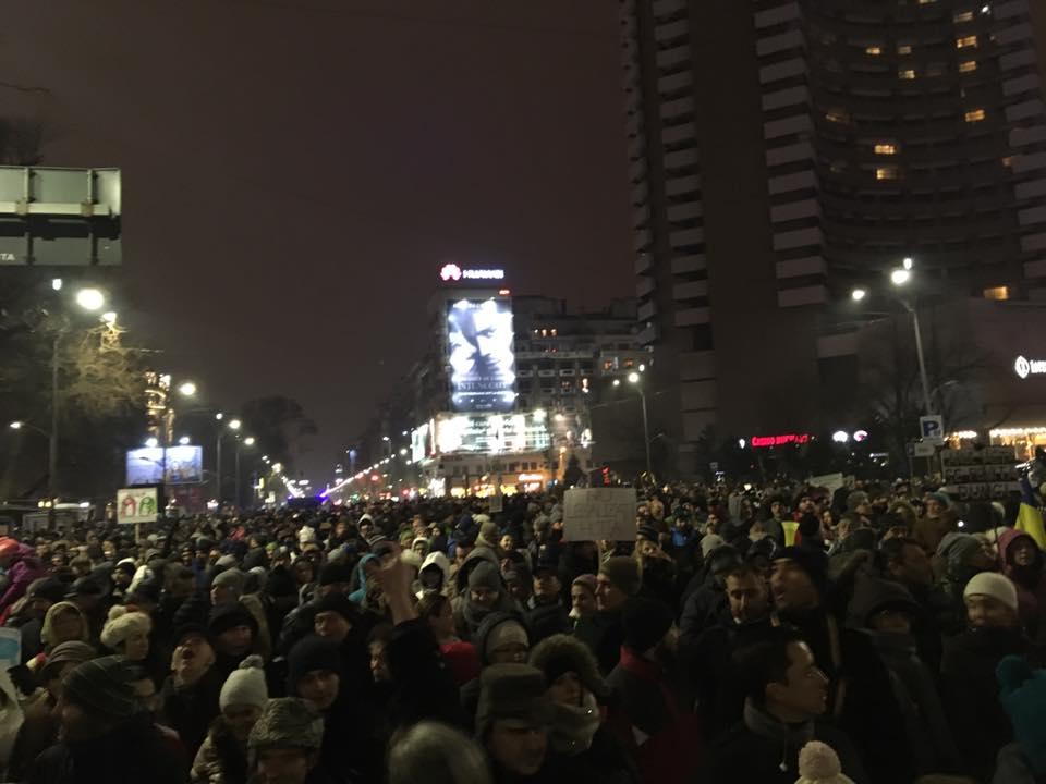 Proteste faţă de modificările legilor justiţiei, duminică seara, în România