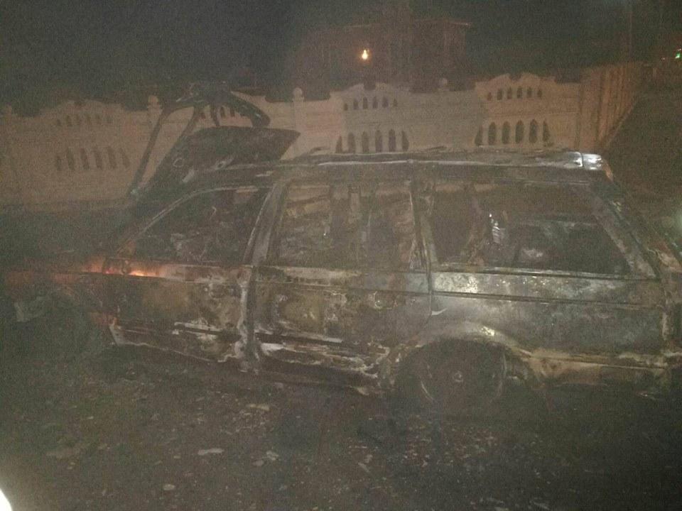 Autoturism distrus de flăcări, la Cornu Luncii