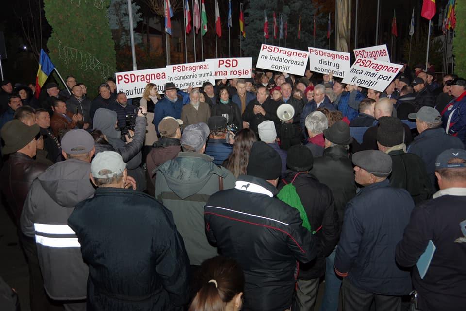 Liberalii suceveni au protestat împotriva Guvernului