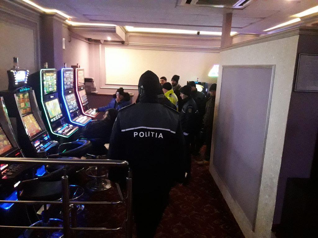 Acțiune de amploare organizată de polițiști în barurile și discotecile de pe raza întregului județ