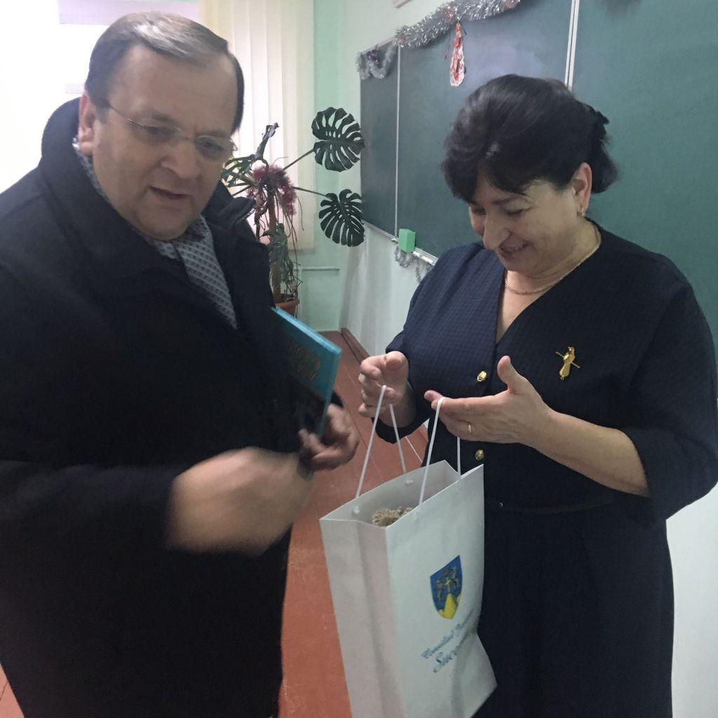 Flutur a participat la inaugurarea unei clădiri noi la școala româneasca din Iordănești, din Raionul Hliboca