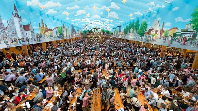 Investiții la Spital, Oktoberfest la Gura Humorului, diplome pentru sucevenii plecați peste hotare – evenimentele propuse de CJ în anul Centenarului