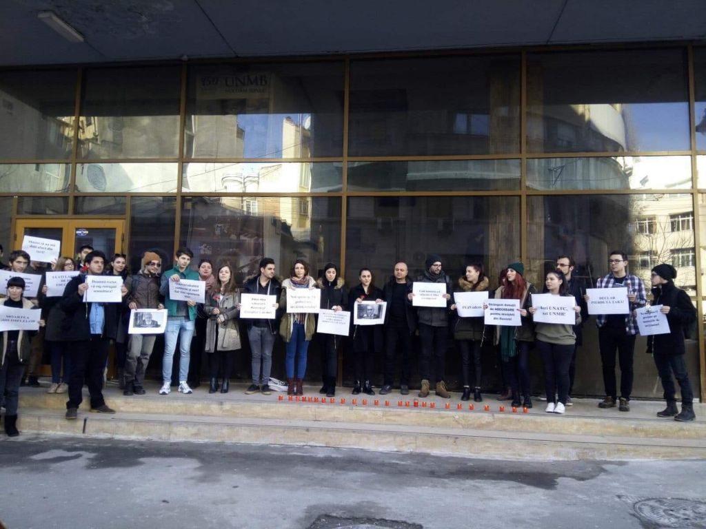Studenți de la Conservator, ironici la adresa lui Valentin Popa
