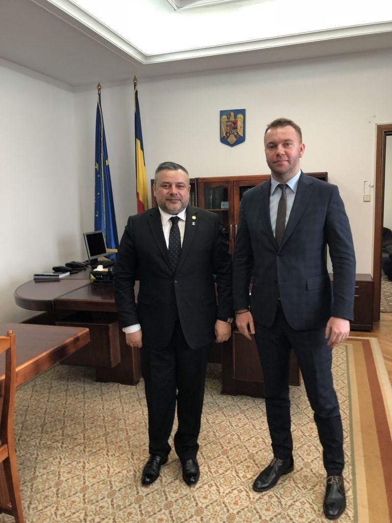 Deputatul Ioan Balan a discutat cu ambasadorul Ucrainei în România pe tema învățământului în limba maternă pentru etnicii români din țara vecină