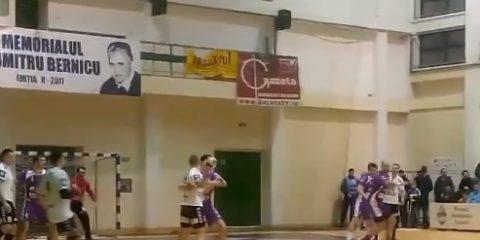 Handbalistii suceveni au pierdut la limita in fata celor de la Politehnica Timisoara dupa ce arbitrajul i-a dezavantajat in ultimul minut