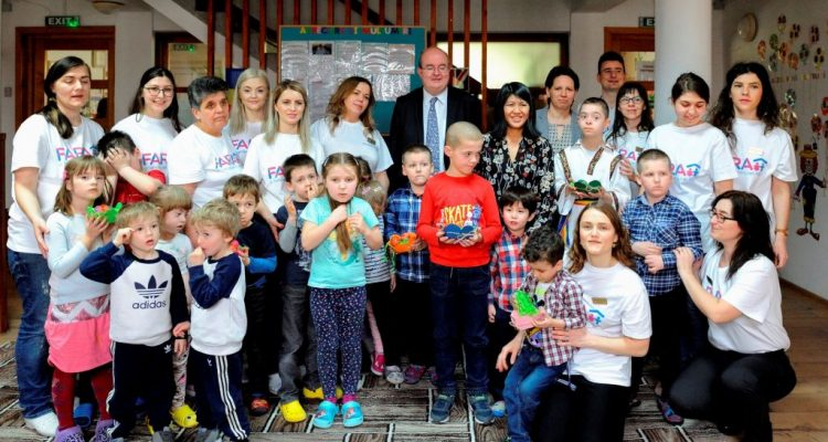 Ambasadorul Marii Britanii in vizita la Fundatia FARA
