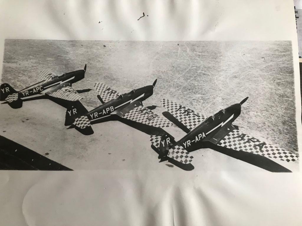 """""""Dracii Roșii"""" la mitingul aviatic din 1939"""