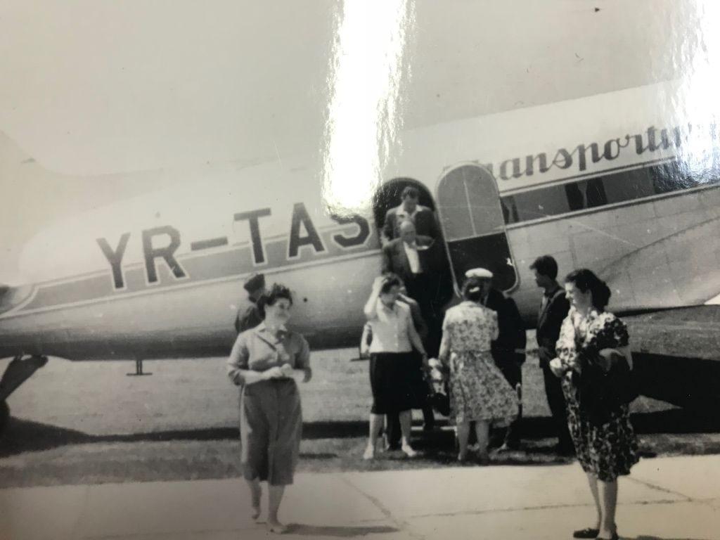 Primele curse aeriene au operat pe Aeroportul Suceava